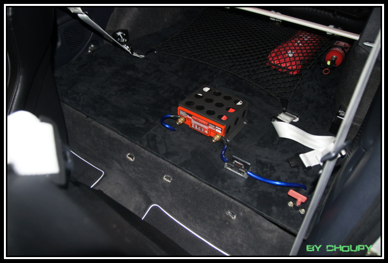 batterie clio 2 renault clio mk2 battery location 172 182 youtube car battery for renault clio. Black Bedroom Furniture Sets. Home Design Ideas